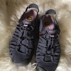 Keen sandals sz 10